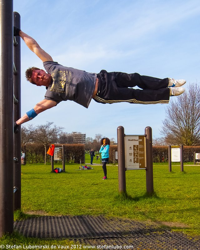 human flag exercise guide tutorial with hints & tips - bodyweight,
